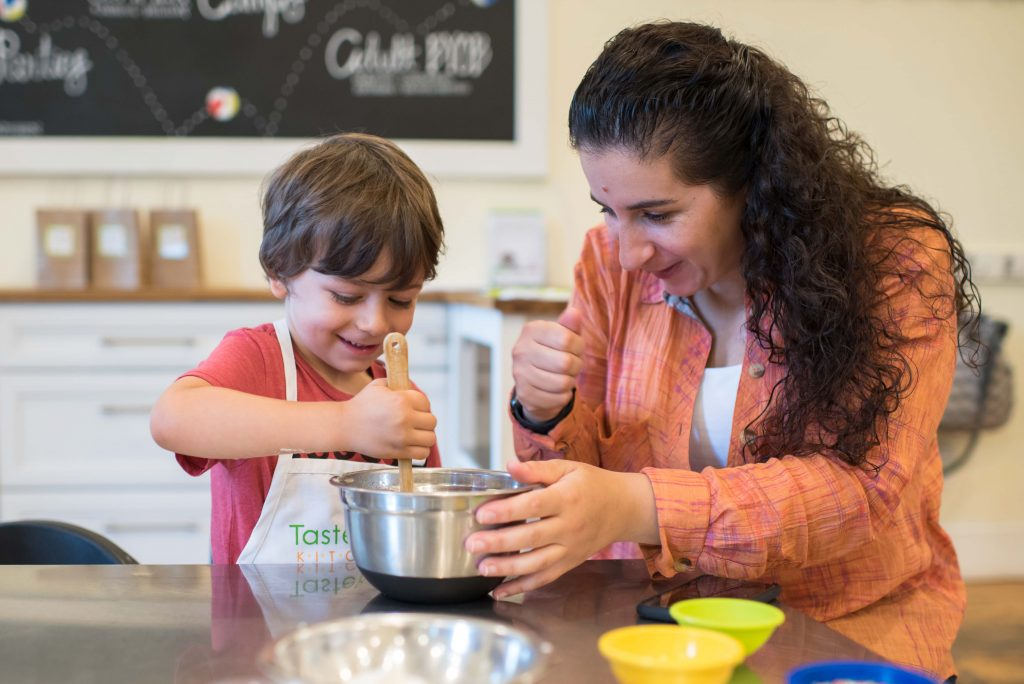 Mommy & me baking class at Taste Buds Kitchen to make cupcakes